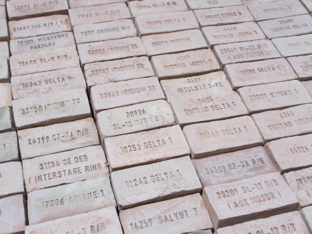 Jedes Stück Müll hat einen Namen (Foto R.W.)