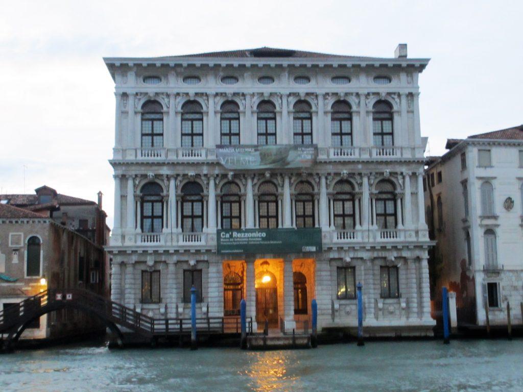 Das Museum Ca´Rezzonico am Canal Grande (Foto R.W.)